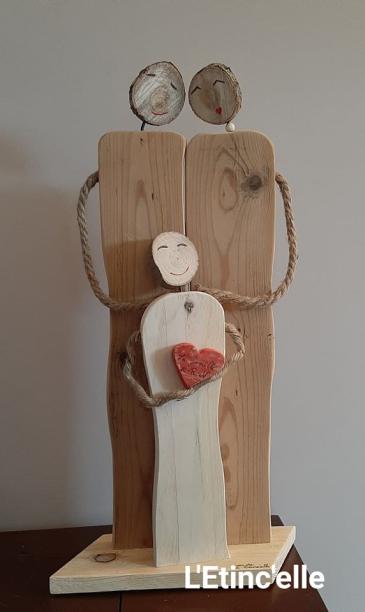 HUG_Statuette couple et enfant 10 ans corde et bois